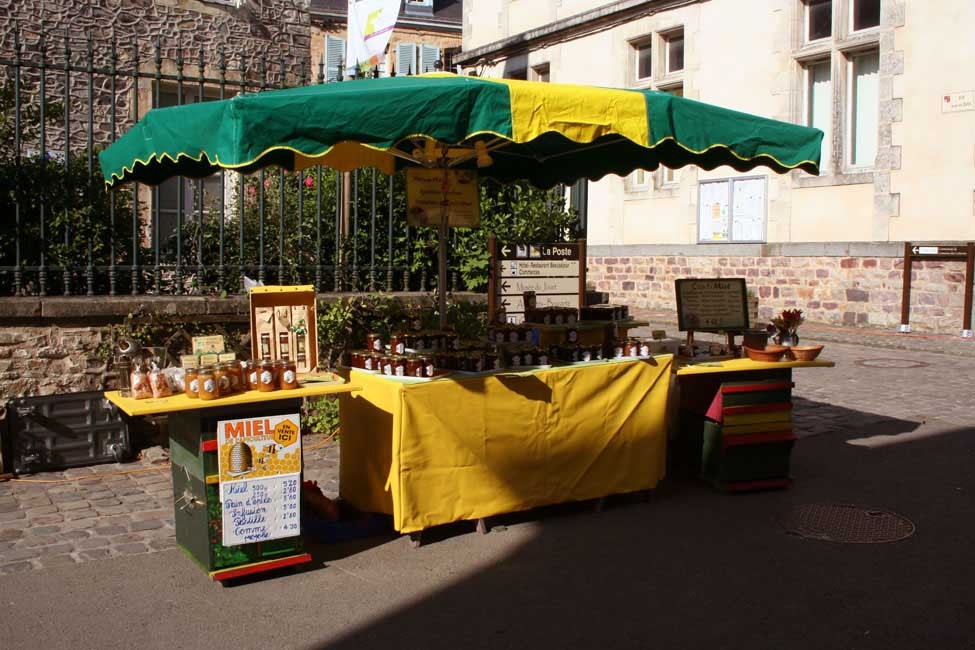 http://confitmiel.fr/files/gimgs/th-15_08_Stand marché.jpg